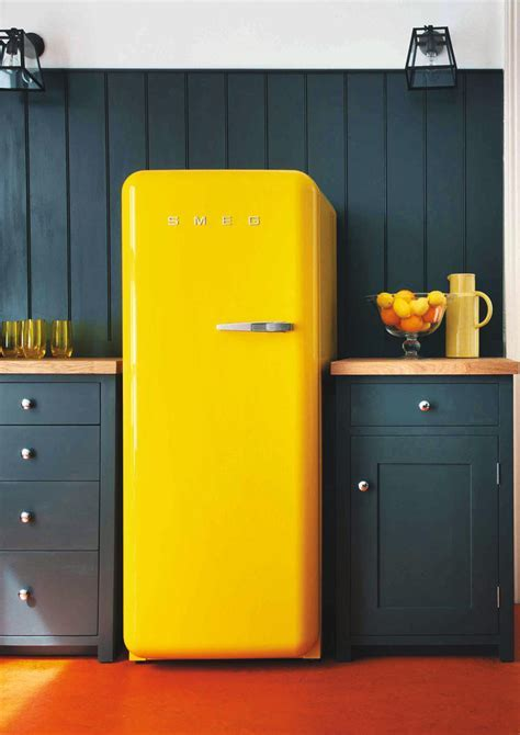 Coloured Fridge FAB28LBL1   Smeg COM