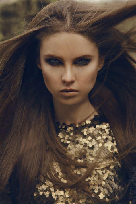 Yulya Images