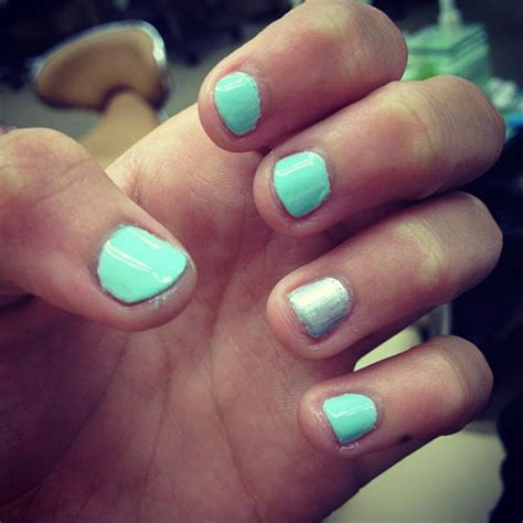madison beer mint green nails steal  style