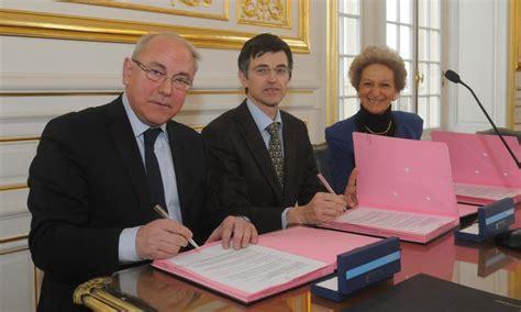 chambre des notaires de versailles signature d 39 une convention pour une préparation au mariage