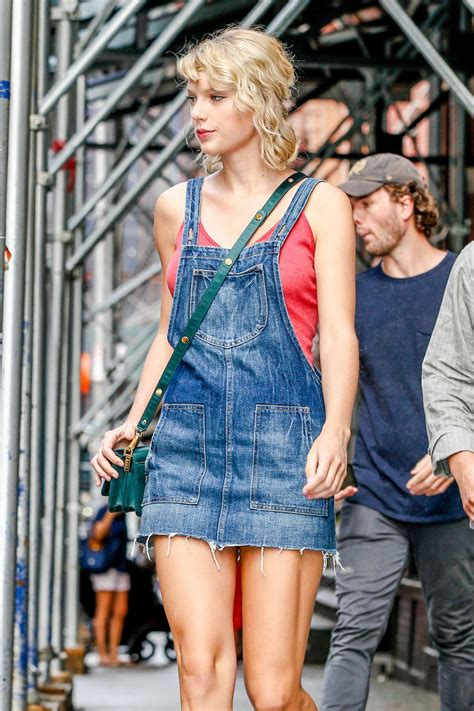 Taylor Swift Cute Outfit Ideas - Leaving Her Apartment in ...