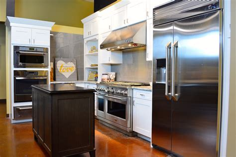 San Antonio Appliances & Cabinets Showroom  Appliances