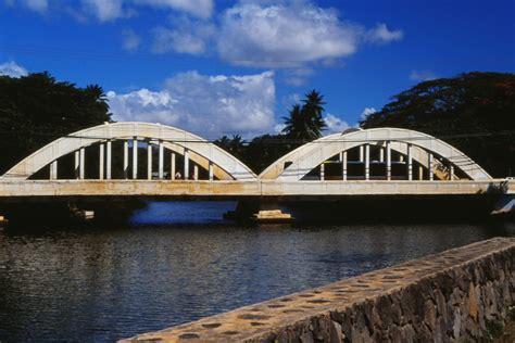 youll   cross   amazing bridges  hawaii