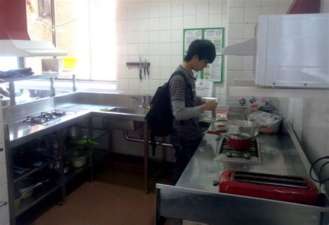 second de cuisine salaire travailler dans une auberge de jeunesse en australie