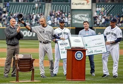 Jeter Derek Retirement Gifts Cano Robinson Farewell