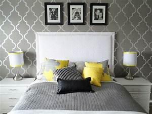 Tapeten Schlafzimmer Grau : schlafzimmer grau 88 schlafzimmer mit deutlicher pr senz von grau zimmer ideen pinterest ~ Markanthonyermac.com Haus und Dekorationen