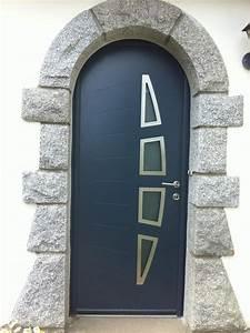 pose d39une porte cintree en alu de couleur anthracite With porte d entrée cintrée aluminium