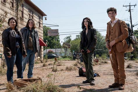 The Walking Dead: World Beyond Review (Spoiler Free) | Den ...