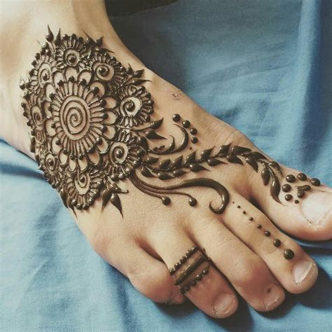 25 best ideas about henna foot on