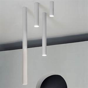 A Tube Lampada a soffitto di design, in metallo, LED, disponibile in diverse dimensioni e