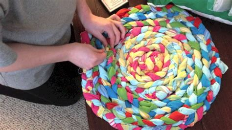 making  braided rug youtube