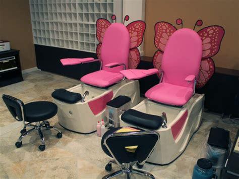 urbandale nail salon offers manis pedis facials