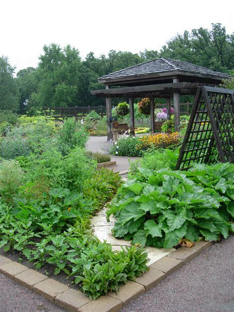 Garden Vegetarian - interior design the griffin real estate