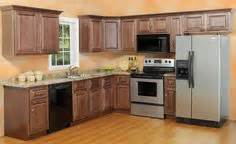 10 x 10 kitchen ideas 1000 ideas about 10x10 kitchen on white shaker kitchen cabinets kitchen cabinetry
