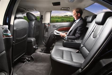 lincoln town car review release date price