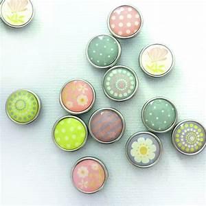 Magnete Für Möbeltüren : 12 magnete farbig zum basteln epoxy scheibenmagnete 10 x 4mm fr hlingsmotive ~ Markanthonyermac.com Haus und Dekorationen