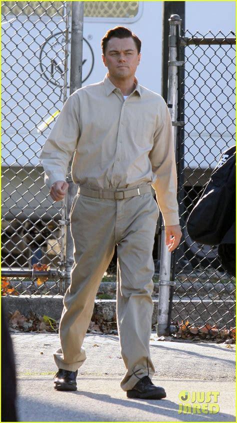 leonardo dicaprio handcuffed inmate  set photo