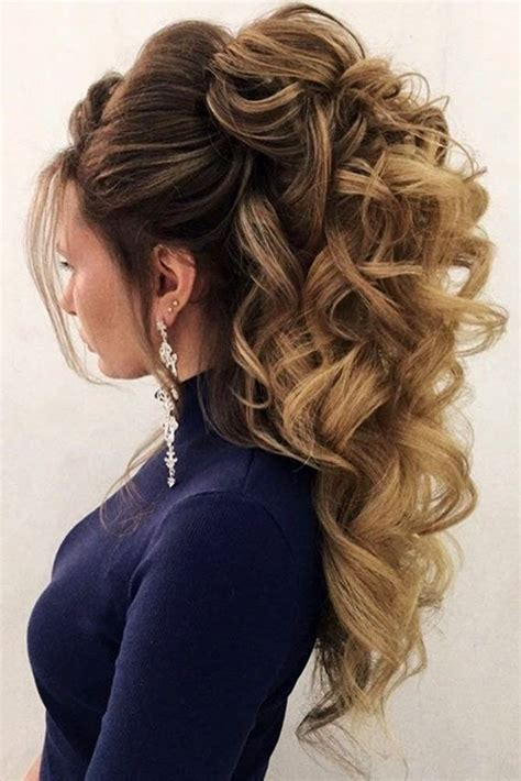 Bridesmaid Updo Hairstyles For Hair by 24 Chic Half Up Half Bridesmaid Hairstyles