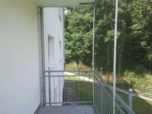 balkon in bonn mit katzennetz gesichert katzennetze With feuerstelle garten mit katzennetz balkon befestigen ohne bohren