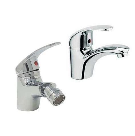 rubinetti lavandino bagno set 2 rubinetti miscelatori da bagno lavandino e bidet