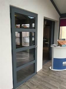 Porte D Entrée Vitrée Aluminium : pose de portes d 39 entr e en aluminium ou en pvc martigues ~ Melissatoandfro.com Idées de Décoration