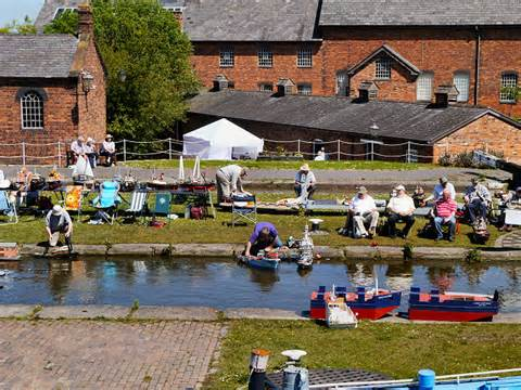 The Boat Ellesmere by The Boat Museum At Ellesmere Port 169 David Dixon Cc By Sa 2