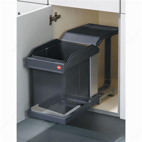 poubelle cuisine hailo poubelle coulissante de 20 litres munie d 39 un mécanisme d