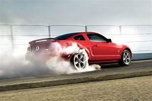 Mustangs, Hot Girls and Burnouts | Car Dunia - Car News ...