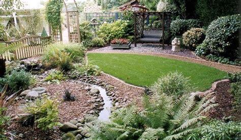 Piccolo Giardino  Progettazione Giardini  Realizzare Un
