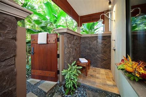 private outdoor shower grotto  master bedroom