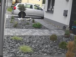 Vorgarten Mit Rindenmulch Gestalten : vorgarten mit kies gestalten pflanzen ~ Whattoseeinmadrid.com Haus und Dekorationen