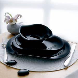 Service Assiette Design : vaisselle de table design design en image ~ Teatrodelosmanantiales.com Idées de Décoration