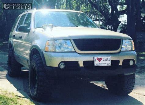 wheel offset  ford explorer slightly aggressive leveling kit body lift custom rims custom