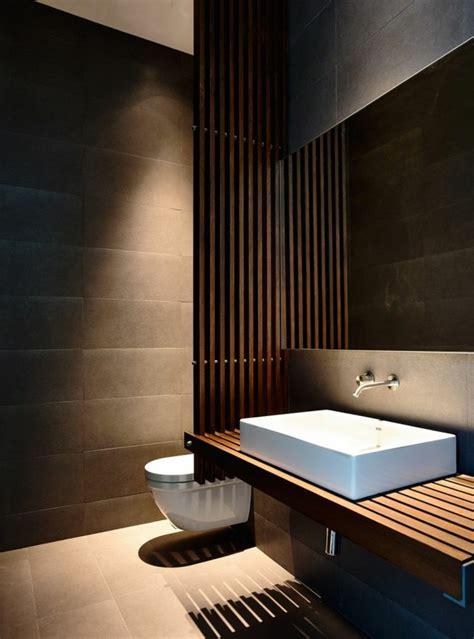 Freistehende Badewanne Die Moderne Badeinrichtungbadewane In Massivholz Eingebaut 2 by 70 Einmalige Modelle Waschtisch Aus Holz