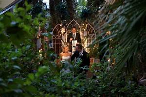 Outdoor wedding in vegasviva las vegas weddings blog for Outdoor vegas weddings
