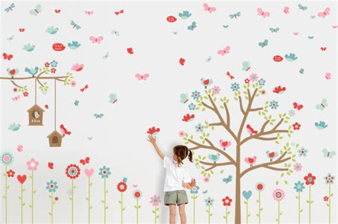 Using Kids Room Wall Decals To Beautify Your Kid's Room