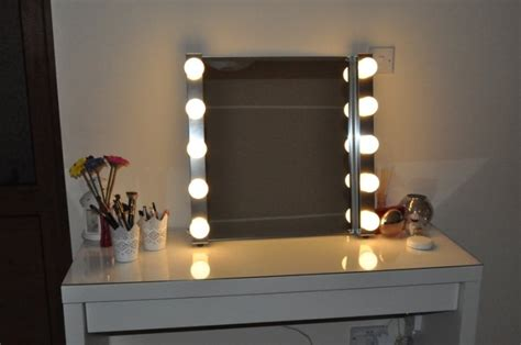 style vanity mirror with lights for dressing