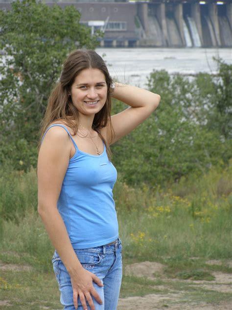 Amateur Braless Pokies Nipples Wet T Shirts Seethru Hq Russian Girls 4