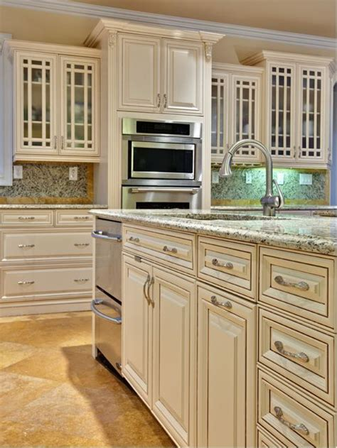 ivory white kitchen cabinets best 25 ivory kitchen cabinets ideas on 4887