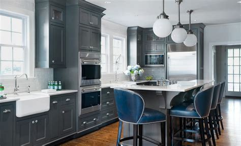 20 Stylish Ways To Work With Gray Kitchen Cabinets Menards Bathroom Vanity Lights Hunter Fan With Light Chandelier Luxury Lighting Mid Century Modern Fixtures Bulbs For Mirror Cabinets And