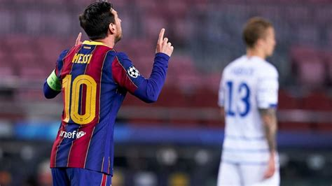 Barcelona vs. Dynamo Kiev score: Messi and company fortify ...