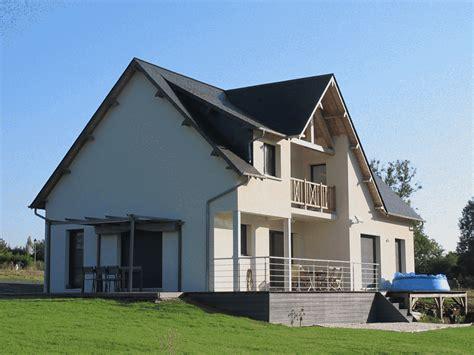 maison contemporaine avec balcon terrasse gerbat