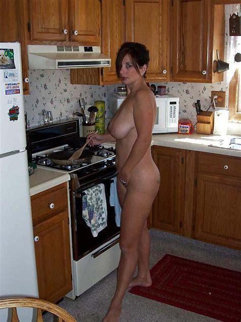 Cooking Milf Milfs Pictures Pictures Luscious