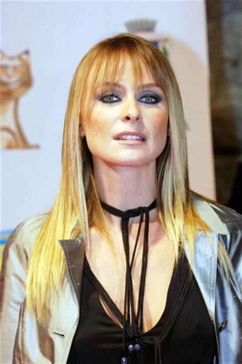 hairy mature mature posing redhead milf fine pussy cum body italian actress serena autieri