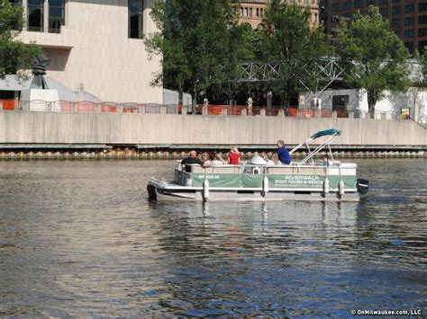 Milwaukee River Boat Rentals by Pontoon Rental Offers Boating Experiences To Everyone