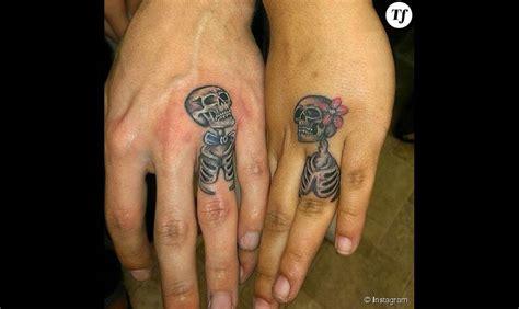 tatouage alliance couple de squelettes terrafemina