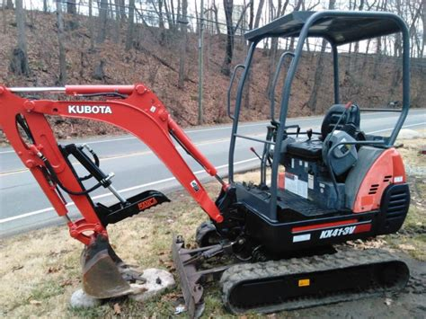 kubota kx  mini excavator  manca hydraulic thumb