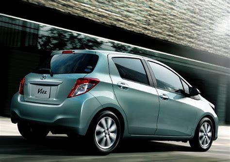 toyota yaris  unveiled  japan  vitz drive arabia