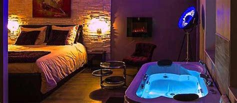 hotel avec bain a remous dans la chambre chambres avec privatif pour un week end en amoureux