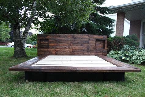 japanese style platform bed   pallet wood